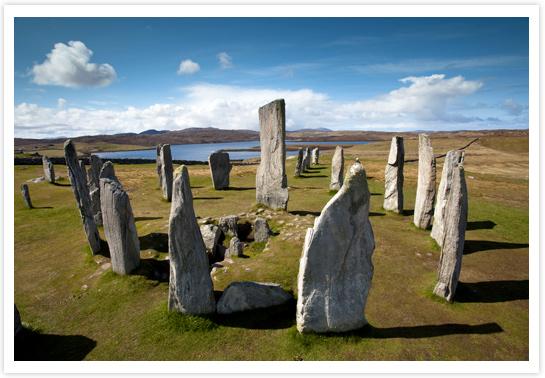 Le cercle mégalithique de Calanais sur l'île de Lewis © VisitScotland / Paul Tomkins
