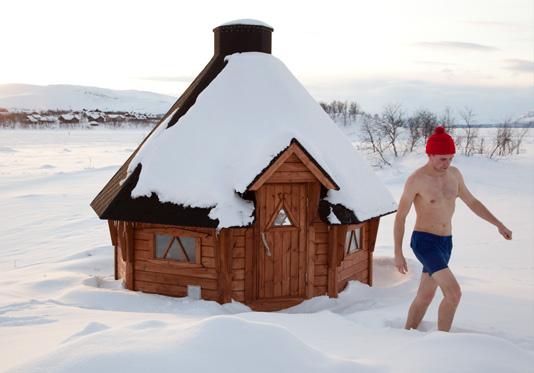 Le rituel du sauna et de l'ice-swimming © VisitFinland