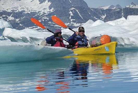 Kayak dans les fjords ©Yann Lemoine
