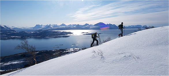 Ski de rando dans les Alpes de Lyngen ou région de Senja © Aztec Lady / Jean Bouchet