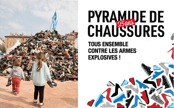 Pyramide de chaussure 25 ans - Tous ensemble contre les armes explosives !