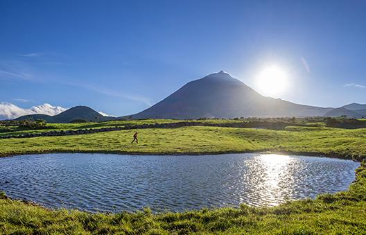 Sur l'île de Pico, le volcan éponyme constitue le point culminant des Açores et du Portugal © GUIZIOU Franck - hemis.fr
